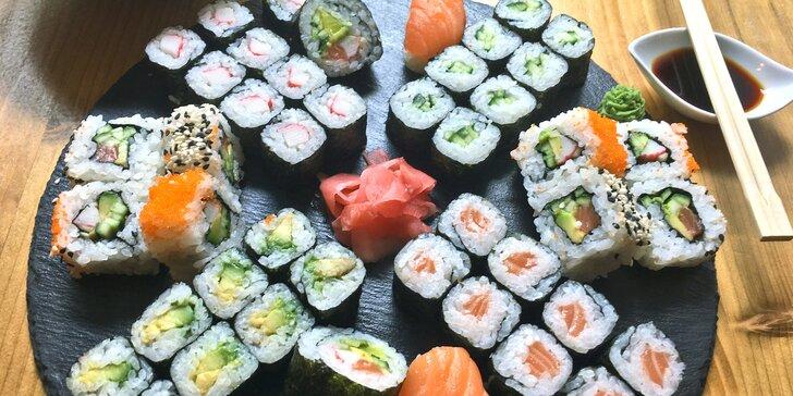 Sety pro milovníky asie: 24 nebo 48 sushi s lososem, krabem i avokádem a wakame salát