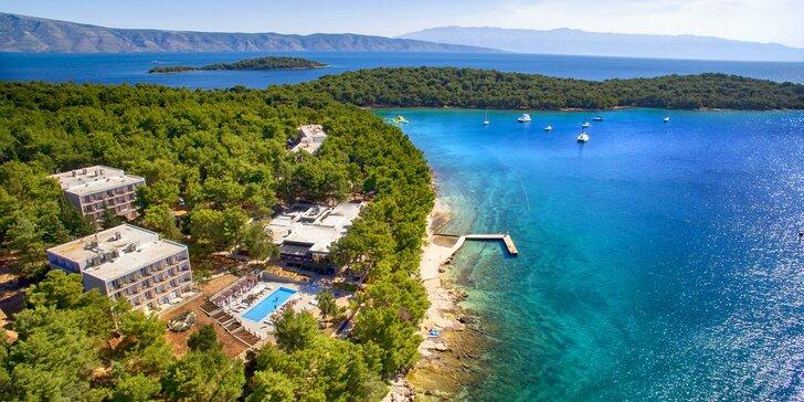 Relax na ostrově Hvar: 4* resort přímo u pláže a příjemné wellness