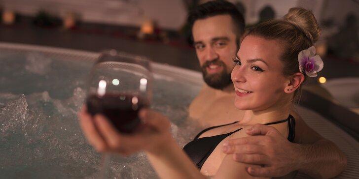 Až 115 minut něžného soukromí: vířivka, sauna i 2 skleničky vína