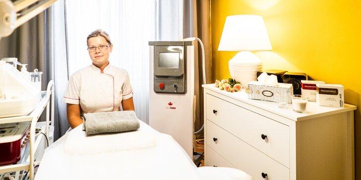 Plazmovými toky, ultrazvukem i mikrodermabrazí proti vráskám a akné