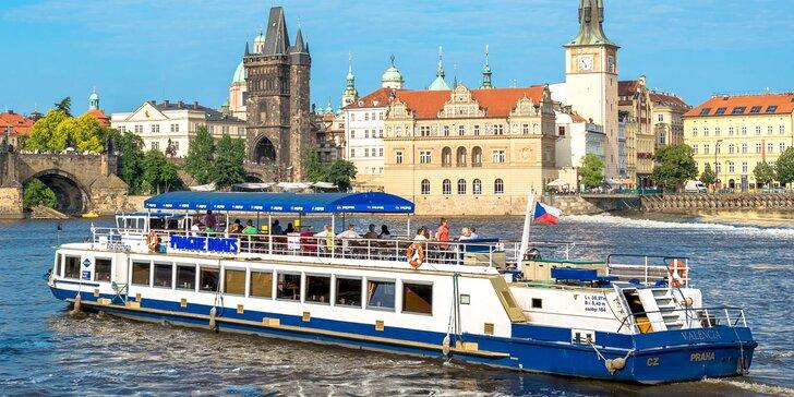 50minutová vyhlídková plavba po Vltavě pro děti i dospělé, termíny do konce října
