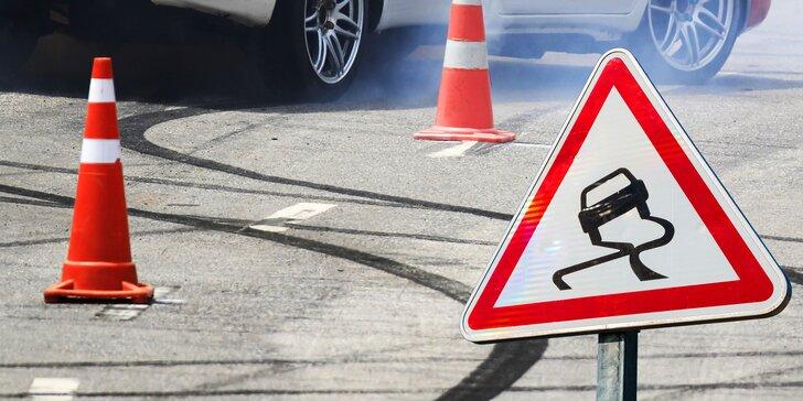 Posuňte své řidičské schopnosti na další level: škola smyku i driftování