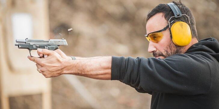 Hodina na střelnici: samopal, 3 pistole a 50 nábojů pro jednoho i dva milovníky zbraní