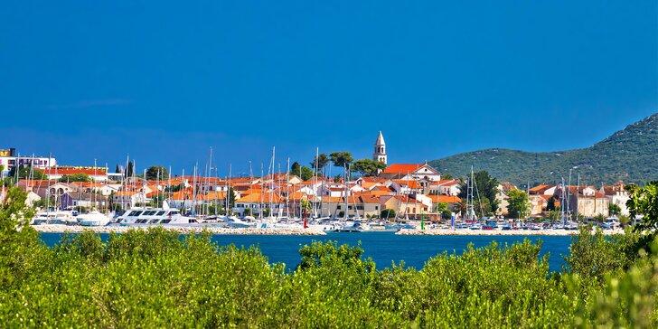 Jednodenní výlet k moři: doprava autobusem a celý den v chorvatském letovisku Biograd na Moru