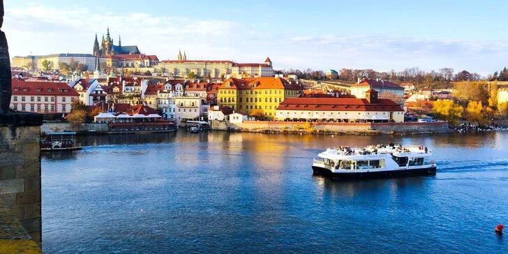 50min. vyhlídková plavba po Vltavě na ekologické lodi Bella Bohemia