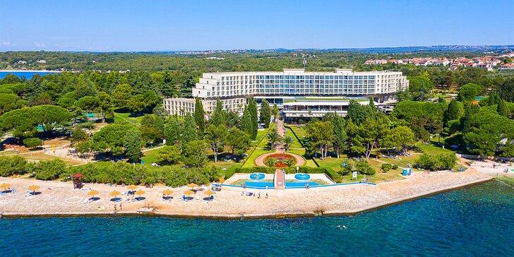 Dovolená v chorvatském letovisku Poreč: snídaně či polopenze, bazény, 100 m na pláž