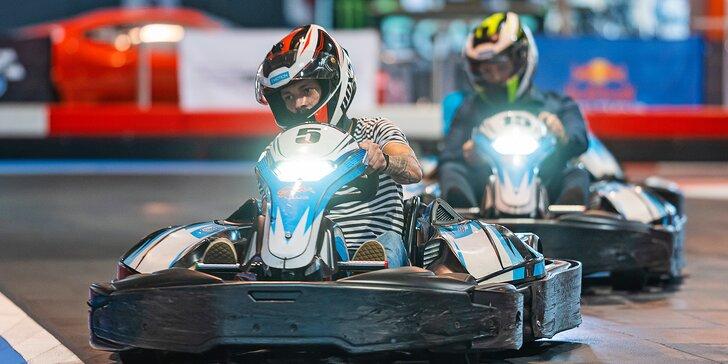 Pořádná dávka adrenalinu: 10 minut v elektro-motokáře pro dítě, dospělého i partu