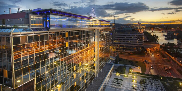 5* pobyt v hotelu Hilton u Vltavy: snídaně, neomezený wellness, pozdní check-out i zážitek podle výběru