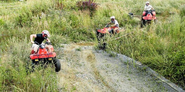Adrenalinová jízda na čtyřkolce na ATV dráze pro malé i velké