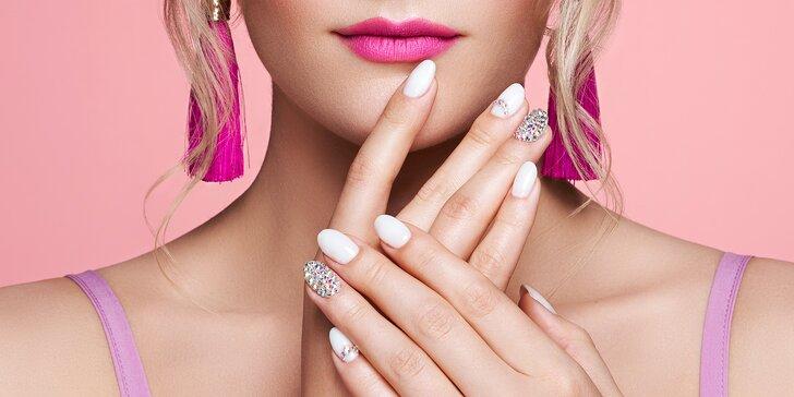 Pro nehty jako z reklamy: manikúra P-Shine, zpevnění nebo modeláž