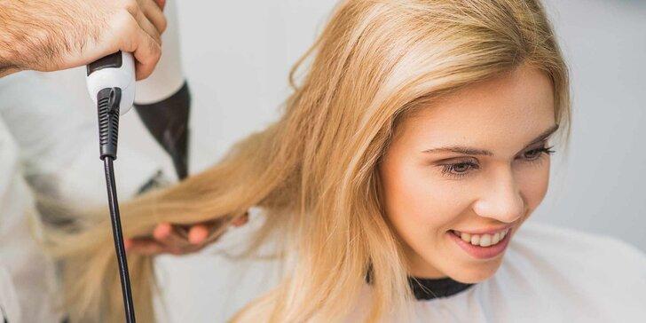 Kadeřnické balíčky: dámský střih a barvení pro všechny délky vlasů