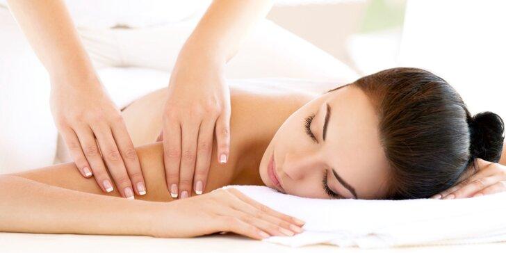 30 nebo 60 minut blahodárného oddechu a relaxace při regenerační masáži