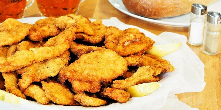 Nacpěte se na řízkové hostině: 1 nebo 2 kg vepřových a kuřecích řízečků