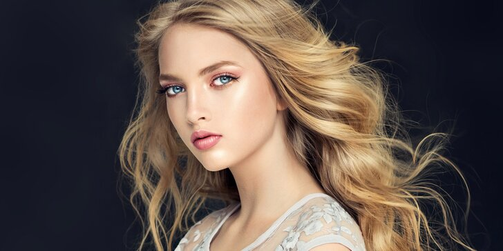 Kadeřnický balíček se střihem, barvením či melírem pro všechny délky vlasů