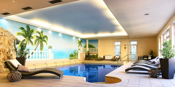 Relax v Trenčianských Teplicích: Neomezený bazén, sauny i procedury