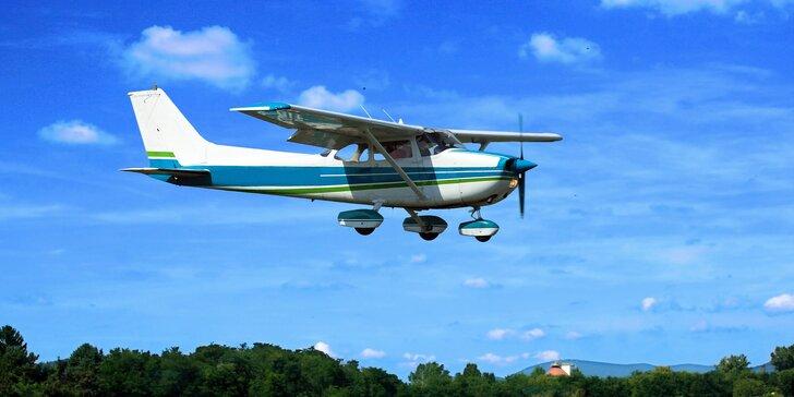 Vyhlídkový let na 30 nebo 60 minut, možnost privátního letu, 5 různých tras