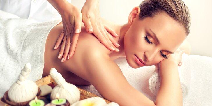 Klasická masáž zad, šíje, nohou, rukou i hlavy či masáž lávovými kameny