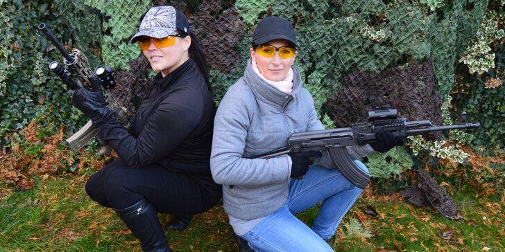 Adrenalinová zábava pro celou rodinu: střelba až 120 náboji z až 15 zbraní