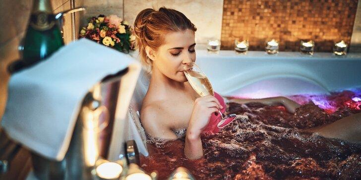 Nechte se rozmazlovat: 3chodové menu, privátní whirlpool se sektem i sauna pro pár