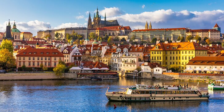 Poznejte krásy Prahy: pobyt v hotelu se snídaní i vstupem do vířivky