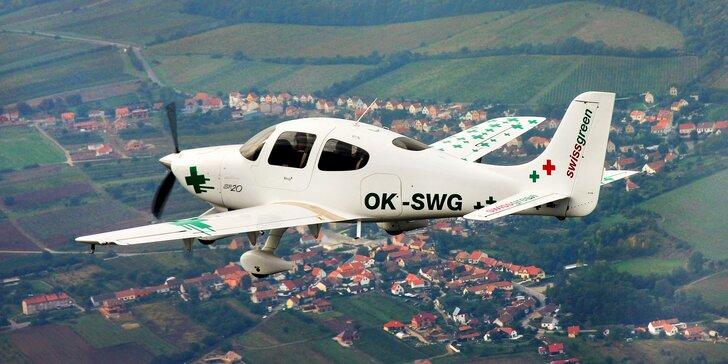 Pilotem luxusního letounu Cirrus SR 20 na zkoušku a letenka pro 2 další pasažéry