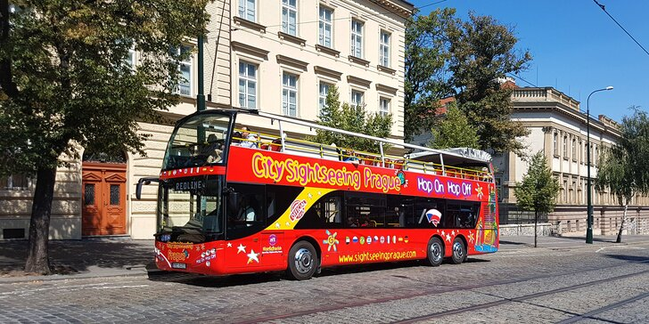 Pro děti i dospělé: plavba po Vltavě, 1denní okružní jízda, voskové muzeum Grévin i prohlídka Pražského hradu