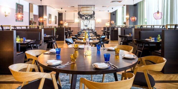 Degustační menu pro dva u Pražského hradu: krevety, rib eye steak, čokoládový Lava cake i víno