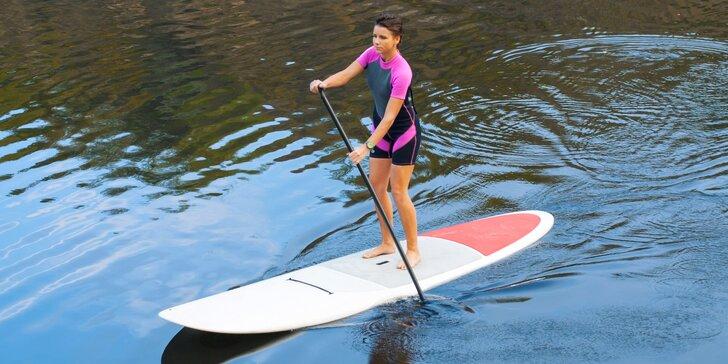 Na vlnách zábavy: paddleboarding pro jednoho i pro dva