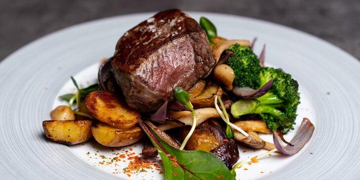 Restaurace v centru Zlína: hovězí rump steak s pečenými brambory grenaille