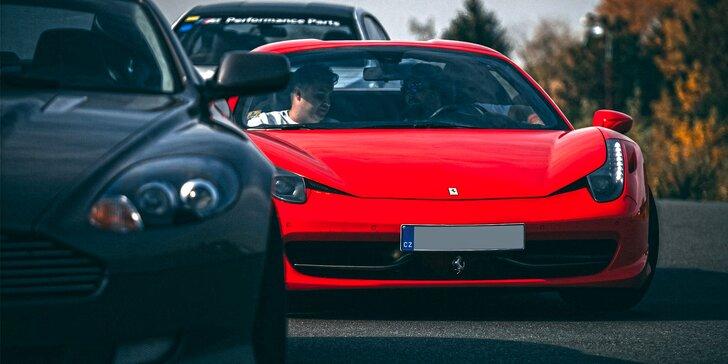 Šlápněte na plyn: Ferrari, Lamborghini i Porsche až na 30 min.