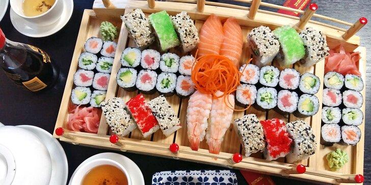 Sety s 24–72 ks sushi i s miso polévkami, wakame saláty nebo minizávitky