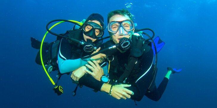 Zážitek pro romantiky i dobrodruhy: ponor v přírodním lomu se zaškolením