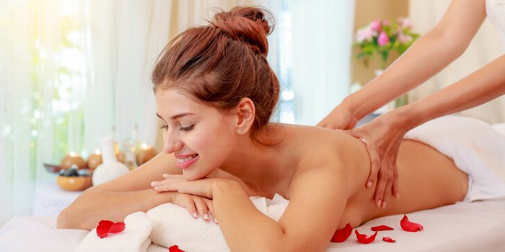 Voňavá relaxace: aromaterapeutická masáž pro zdravá záda v délce 90 minut