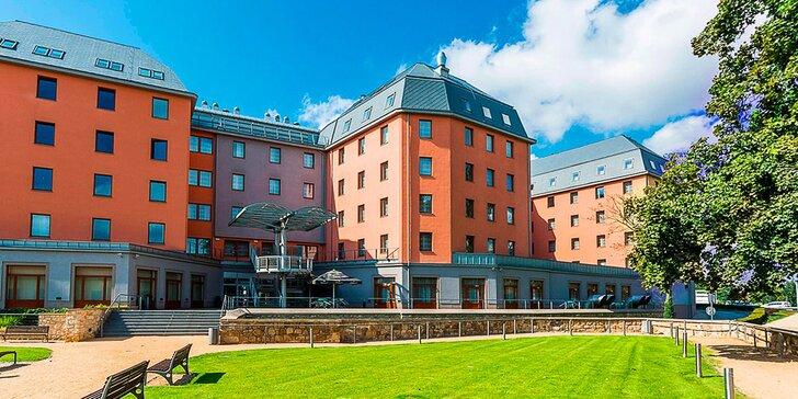 Odpočinek v hotelu Marriott v centru Plzně: snídaně nebo polopenze i varianty s prohlídkou pivovaru a pivo zdarma