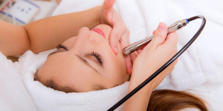 Kosmetické ošetření galvanickou žehličkou či ultrazvukovou špachtlí i masáž obličeje