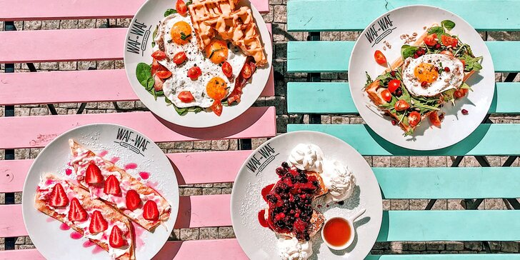 Sladká či slaná snídaně v brněnské pobočce Waf Waf: palačinky, lívance, vejce a k tomu nápoj