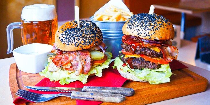 300g burger podle výběru: hovězí či kuřecí maso nebo revoluční beyond