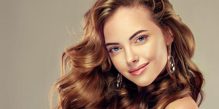 Nový střih s možností hloubkového ošetření vlasů ultrazvukovou žehličkou