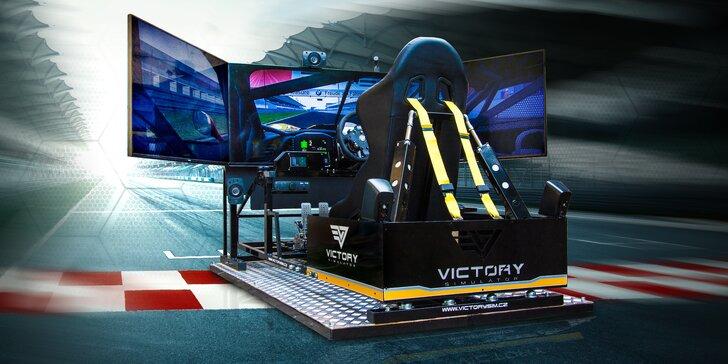 Jízda na promakaném simulátoru závodního auta pro 1–4 řidiče