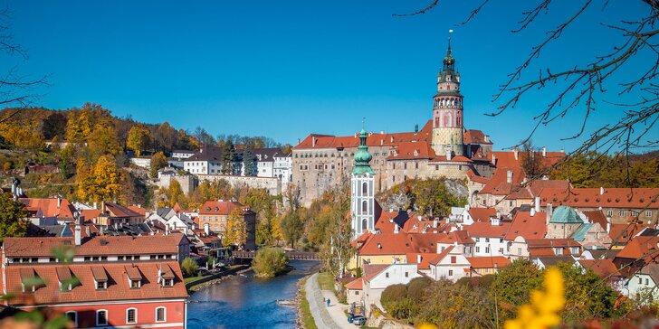 Podzimní dovolená v Českém Krumlově: hotel 10 minut od centra, snídaně i lahev vína