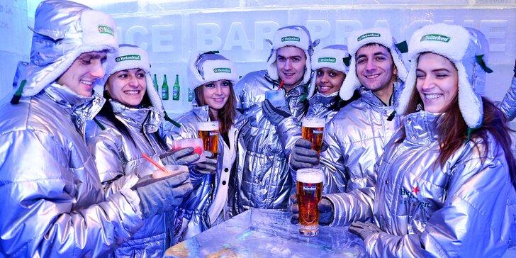 Říše mrazu: vstup a dva drinky do panáků z ledu v unikátním Ice Pub Prague