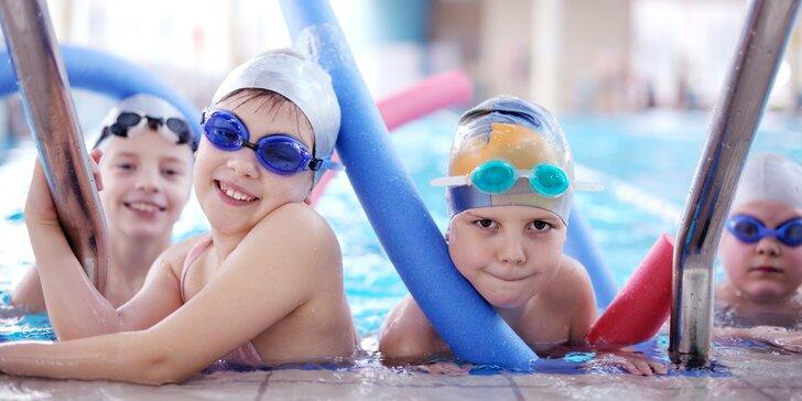Tréninky plavání pro děti a mládež v Aquacentru Šutka podle úrovně