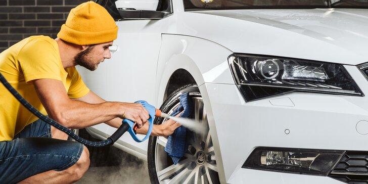Detailní mytí interiéru i exteriéru vozu za pomoci parní technologie