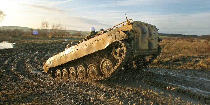 30min. projížďka v BVP a střelba z AK-47 nebo VZ-58 i prohlídka vozového parku vojenské techniky