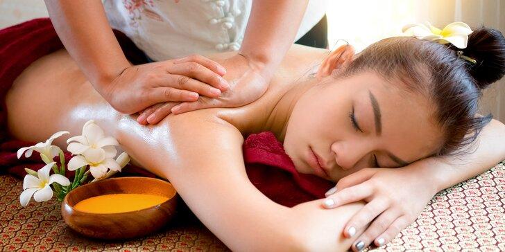 70 minut nebeského hýčkání: masáž, anti-age masáž obličeje a zábal dle výběru