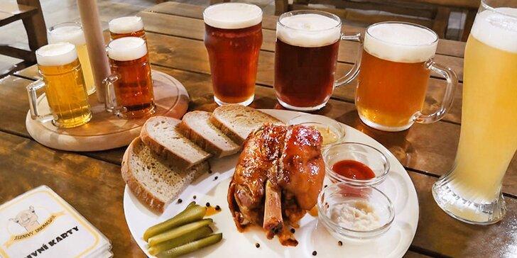 Dobré jídlo a pití: degustační set piv i s grilovaným vepřovým kolenem