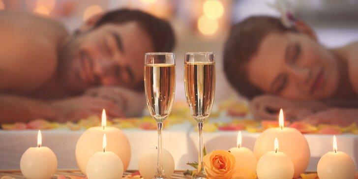 Luxus pro dva: 60minutová thajská masáž podle výběru, sklenka sektu a zábal