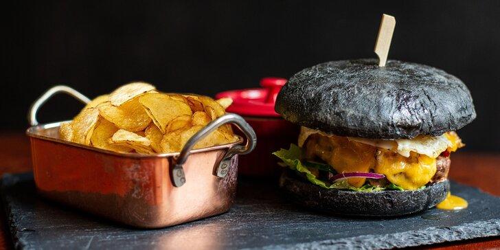 Burger z Anguse nebo svíčkové, hranolky nebo chipsy a nápoj podle výběru