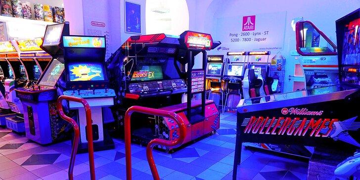 Vstup do interaktivního muzea videoher v Praze: konzole, počítače, arkádové automaty, telefony