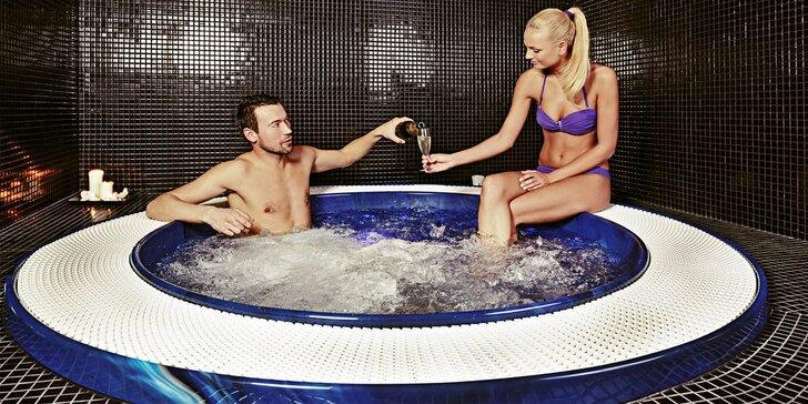 120 min. relaxu v saunovém světě a 45 min. v privátní vířivce pro 2 osoby